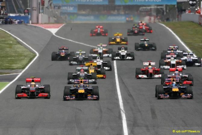 Старт Гран При Испании 2010
