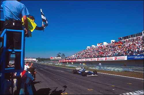 Первая победа Култхарда, Португалия'95