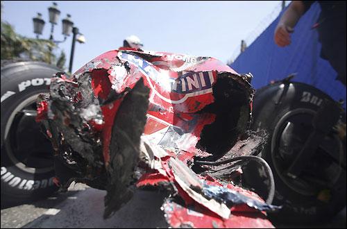 Поврежденная Ferrari после аварии Фелипе Массы в Монако