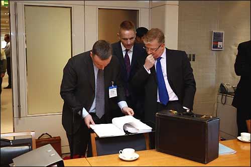 http://www.f1news.ru/memuar/2007/fuel-2.jpg