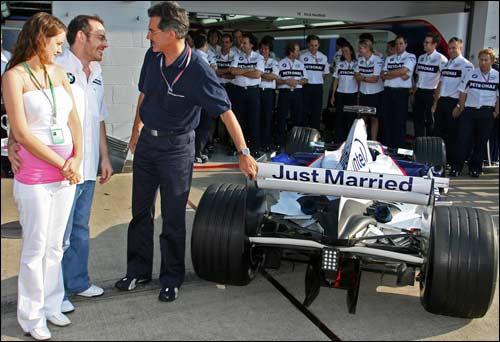 BMW Sauber поздравляет Жака Вильнева