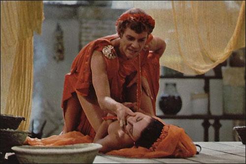 Исторические фильмы про любовь с эротикой
