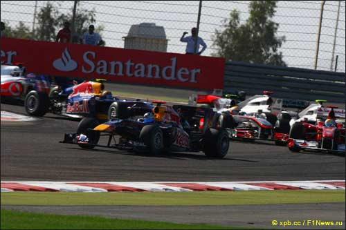 Себастьян Феттель лидирует на старте Гран При Бахрейна